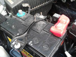 Как подключить самостоятельно зарядное устройство к аккумулятору автомобиля