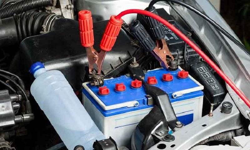 Как правильно заряжать новый автомобильный аккумулятор
