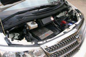 Замена аккумулятора Toyota Alphard.
